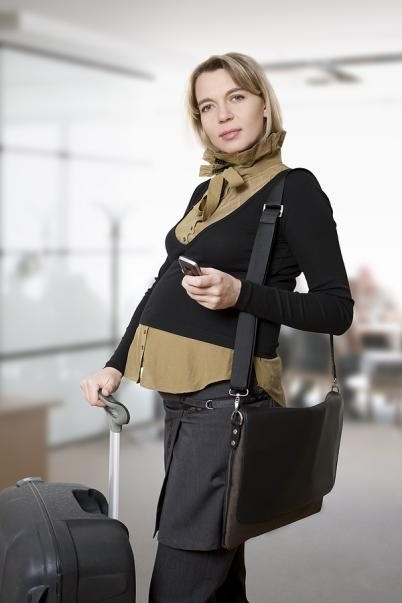 bigstock_pregnant_woman_traveling_7008806.jpeg